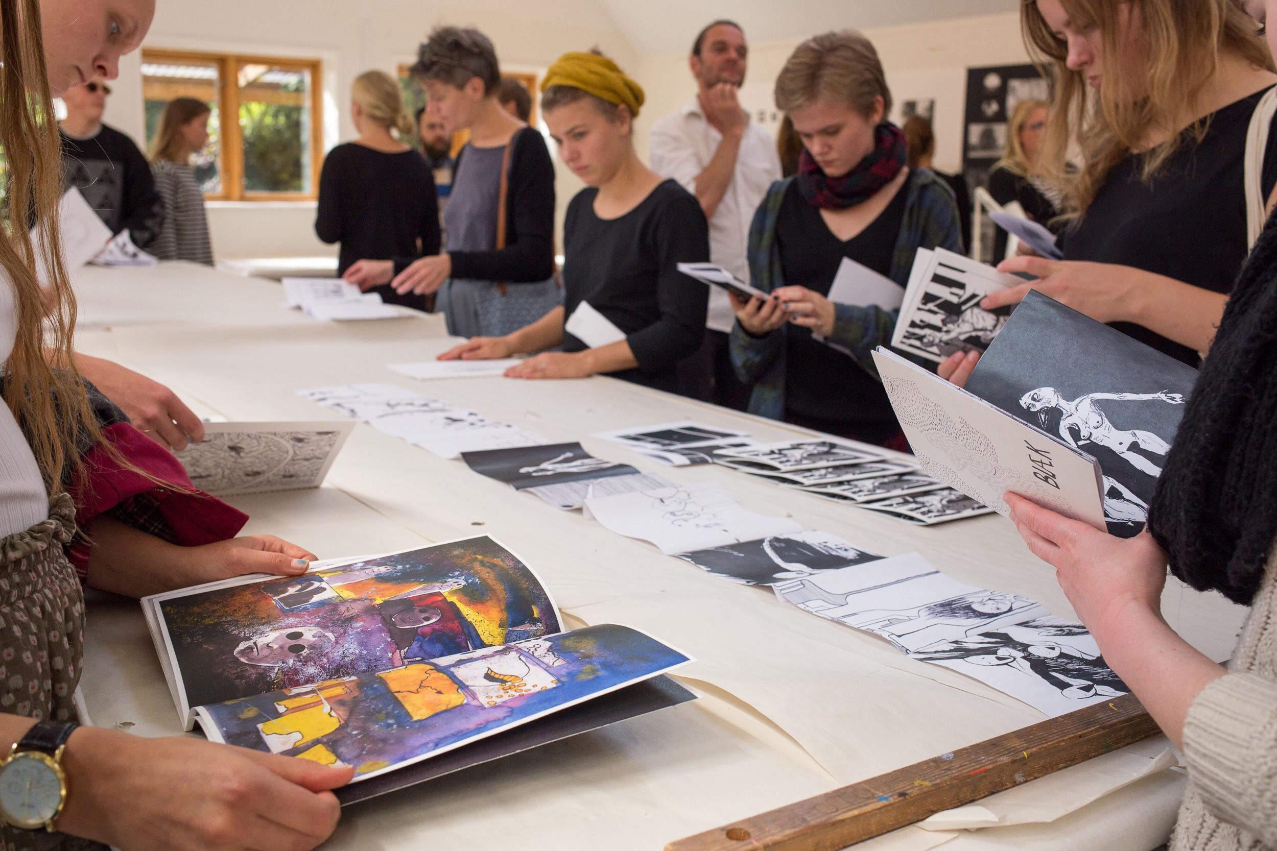 Fernisering for fotografi og tegneserie