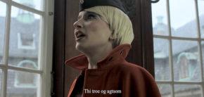 """Kirsten Astrup """"Troe og Agtsom"""" (still), 2017, Video. Foto-Tore-Hallas"""