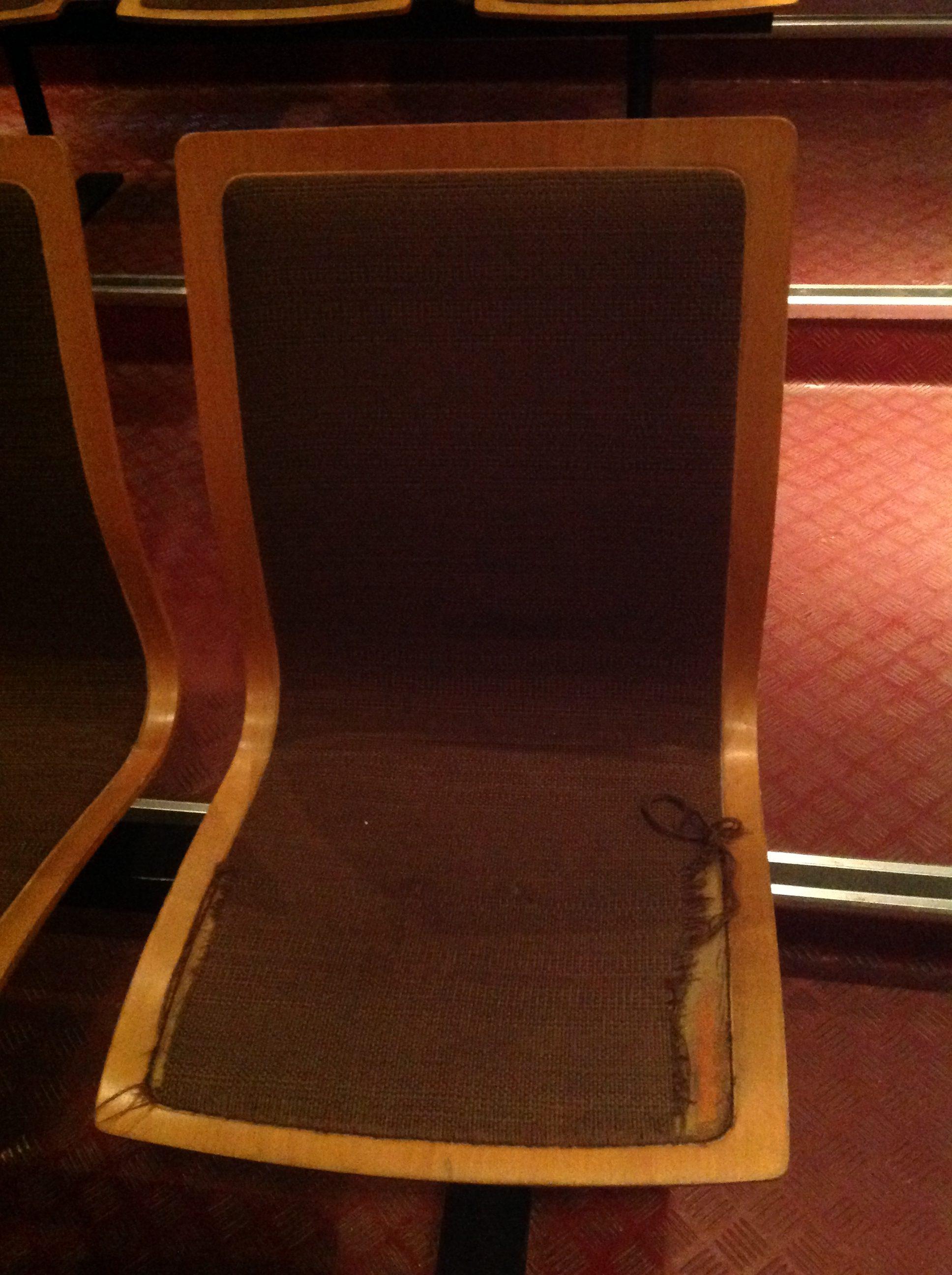 Renovering af stolene på Achillesscenen